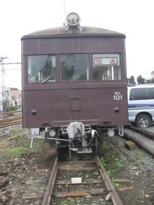 交通博物館でしか見られないような車両が鎮座、デハ101。