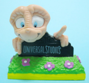 PVC figurine / E.T. with UNIVERSAL STUDIOS LOGO