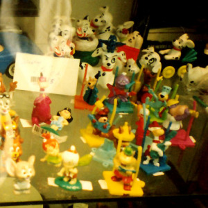 Show case in PVC figurines