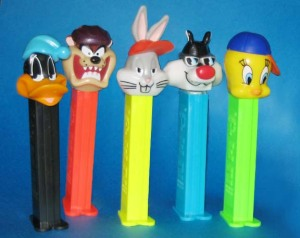 PEZ / COOL LOONEY TUNES / Daffy, TAZ, Bugs, Sylvester, Tweety