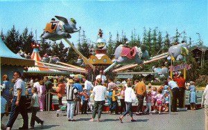 Post Cards / This is Disneyland /FANTASYLAND DUMBO RIDE/('60s)