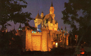 Post Cards / This is Disneyland /SLEEPING BEAUTY'S CASTLE AT NIGHT IN FANTASYLAND/('60s)