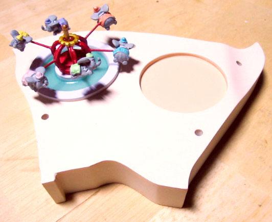 グラウンドベース(アリス、ダンボ)に空とぶダンボを乗せる