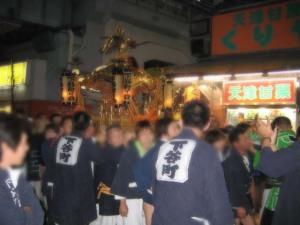 上野駅前で神輿に遭遇