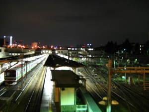 深夜の上野駅ホーム