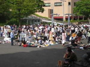 新宿中央公園フリーマーケットにて