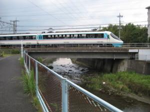 鶴見川と新ロマンスカー