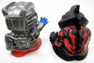 指人形/テクターギア・ゼロ&ウルトラマンベリアルの背面
