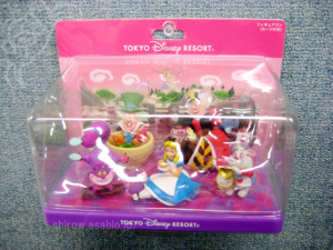 Figurine with Card / Alice in Wonderland / Tokyo Disney Resort Exclusive