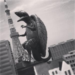 タートルモンスター、東京に現る! …風