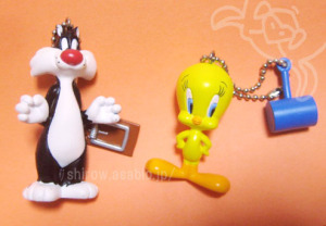 TWEETY and SYLVESTER / LOONEY TUNES