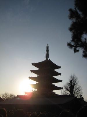 五重塔のシルエット