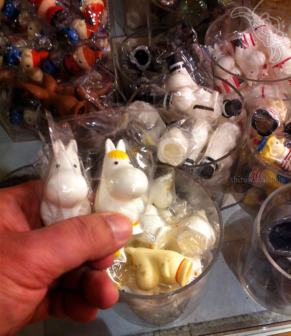 ムーミンカフェの指人形/原作カラーの白いムーミンたち