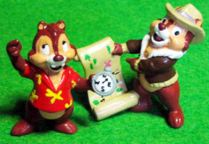 PVC figurine/ Chip 'n Dale Rescue Rangers / Dale with Compus, Chip with map / by applause (1989)