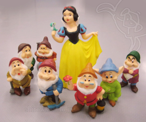 Snow White and the Seven Dwarfs Novelties Figurines from Mitsubishi Bank (JAPAN)
